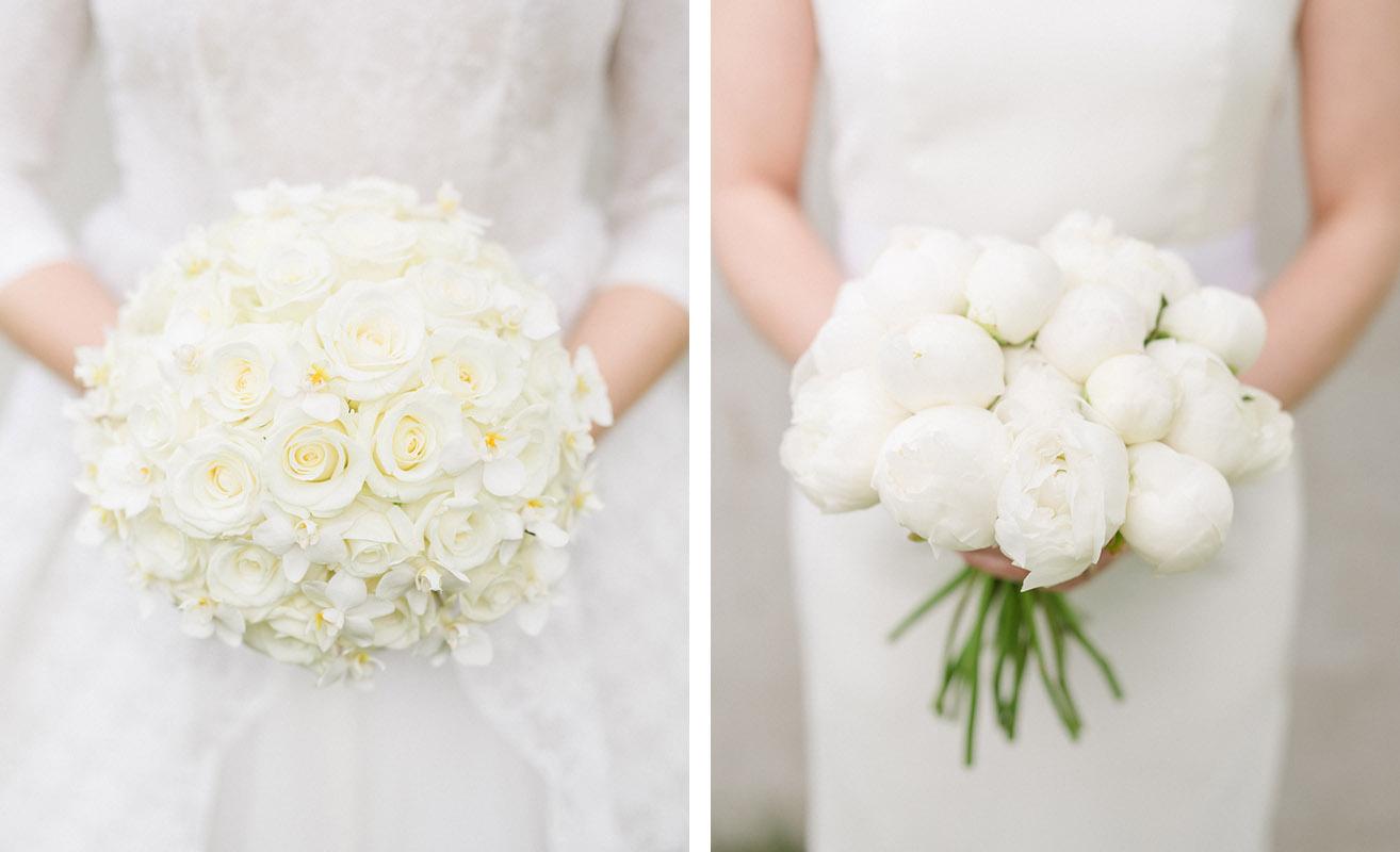 c3ad8340c6f4 Vita stiliga brudbuketter som känns både enkla och exklusiva. Till vänster  vita rosor tillsammans med tazetter. Till höger vita pioner.